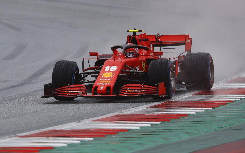 Пилотът на Ферари Шарл Льоклер е получил наказание от преместване