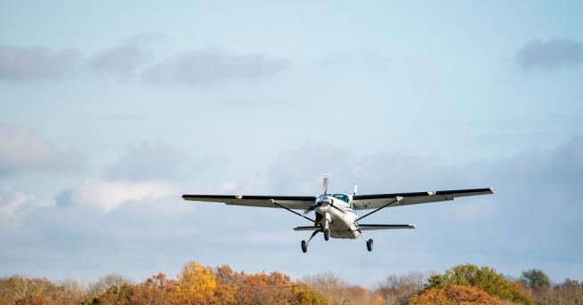 Двама души загинаха при катастрофа на свръхлек самолет в германската