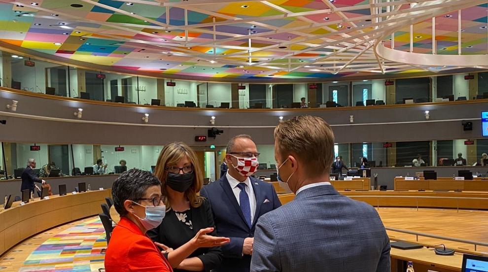 Външните министри на ЕС обсъдиха Турция и Латинска...