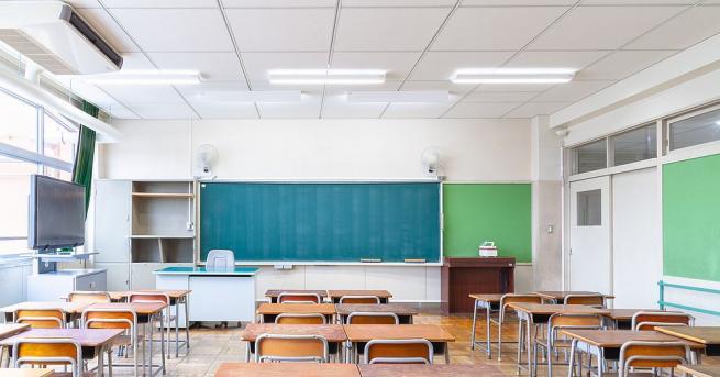 Всички паралелки след седми клас в училищата на област Монтана