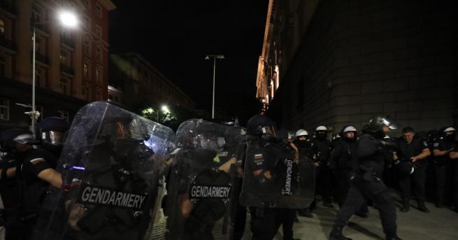 52-годишен полицай, работил в Метрото, почина в болница след контузия