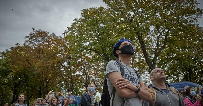 Забраната на събития с над 5000 участници заради коронавируса, обявена
