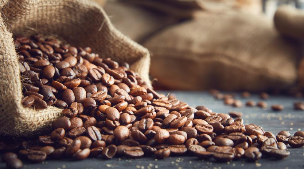 Заловиха кокаин, скрит в кафени зърна в Милано (СНИМКА)