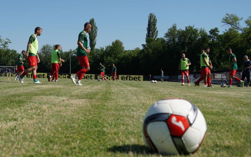 Отборът на Асоциацията на българските футболисти, съставен изцяло от свободни