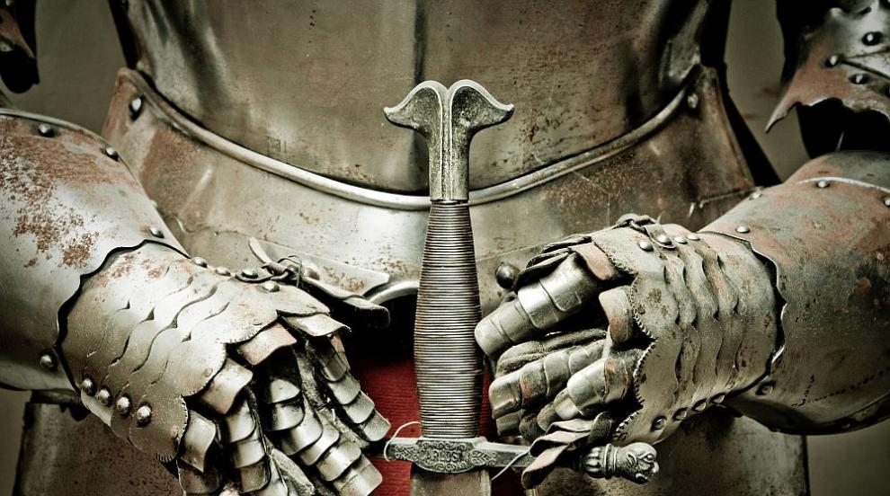 Кръстоносен поход срещу COVID-19: Рицари пазят...