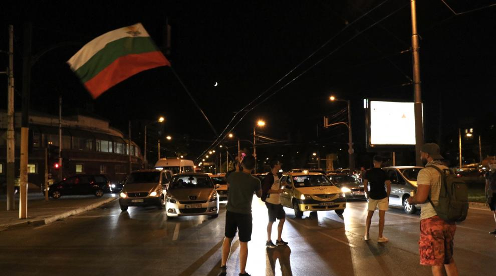 Обсада на БНТ заради Дариткова и Корнелия Нинова