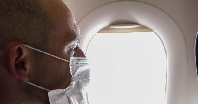 Вероятността да се заразите с коронавирус в самолет е най-голяма