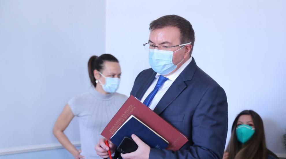 Здравният министър: Няма нужда от нови мерки срещу...