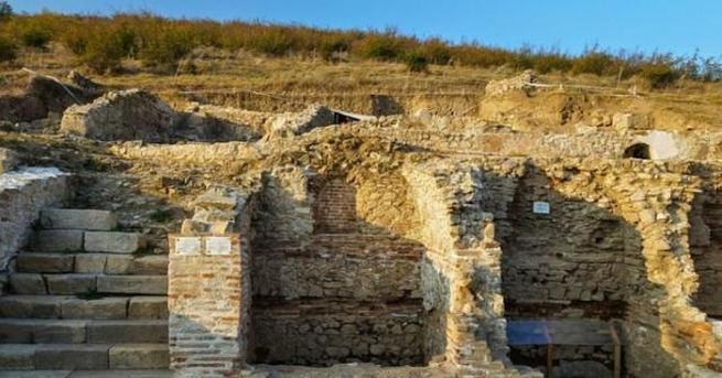 Надпис на латински език откриха археолозите в последния ден от