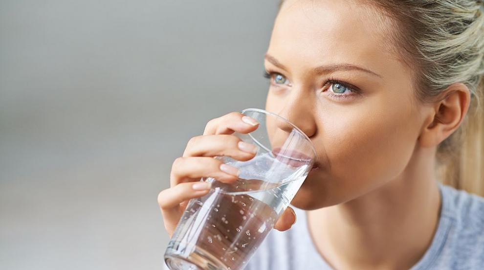 Чаша вода на празен стомах е безценна за здравето