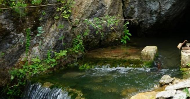 Възстановяват се съоръженията за подаване на вода от извор