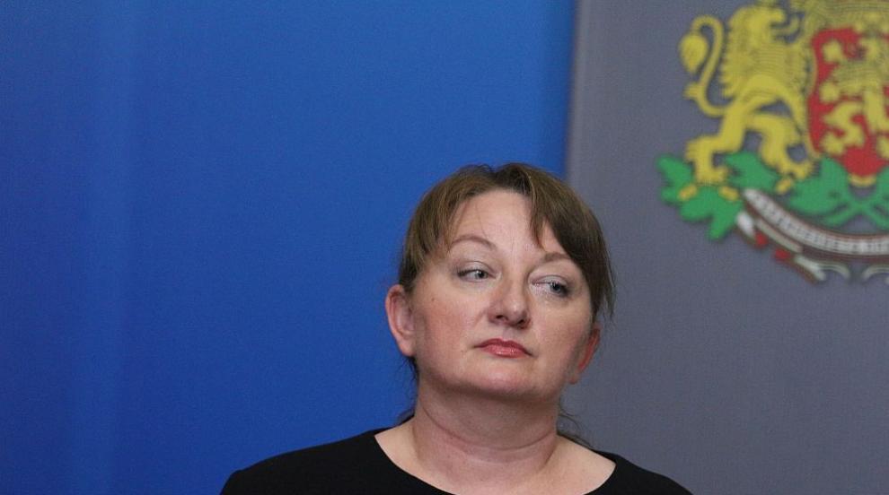 Министър Сачева обясни механизма за помощ на...