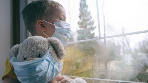 <p>Коронавирус: 5 начина да накарате децата си да носят маска</p>