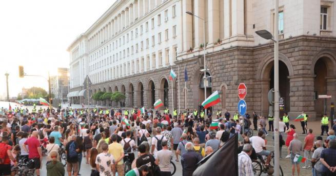 Виктор Димчев активно се занимава с протестна дейност от 30