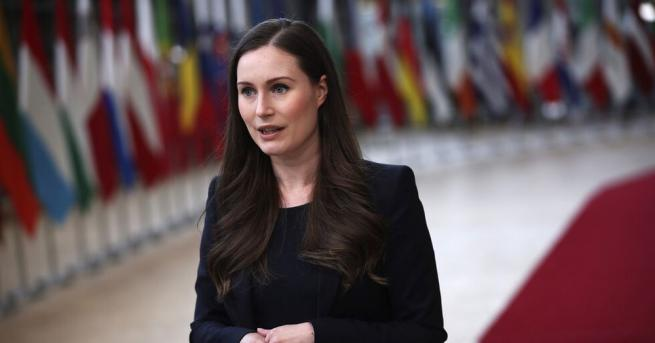 Премиерката на Финландия Сана Марин съобщи, че се е омъжила