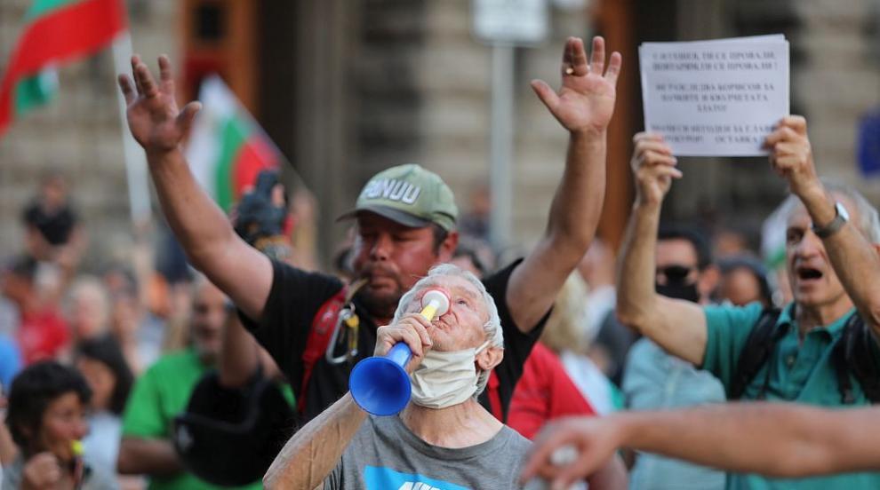 27-ми ден на протести, блокада вече има и във Варна (ВИДЕО)