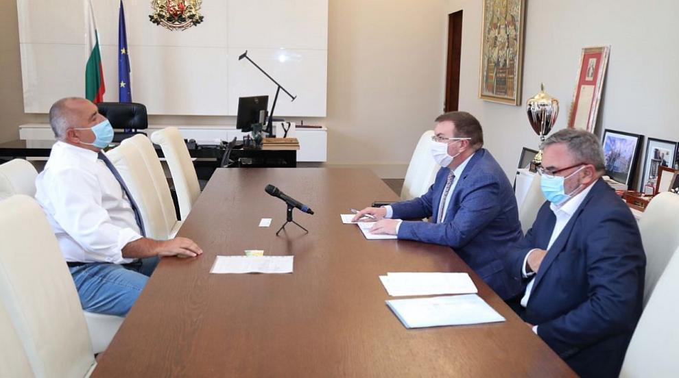 Премиерът възложи на проф. Ангелов да опише при какви...