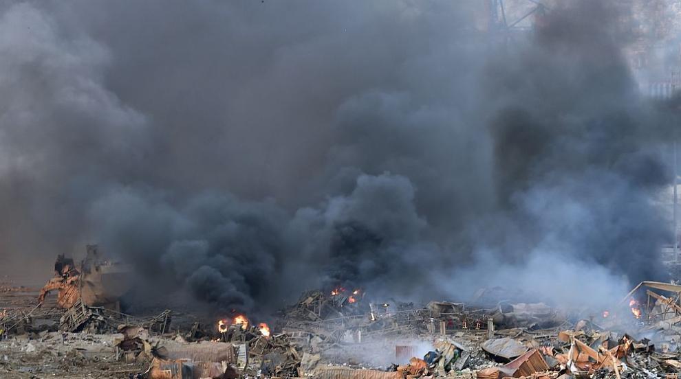 Два мощни взрива на пристанището в Бейрут близо до...