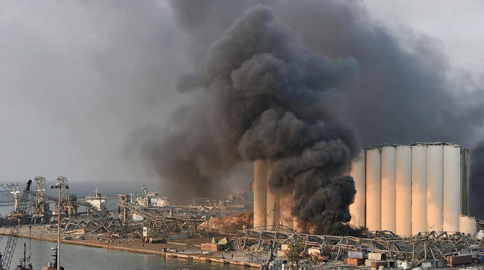 При мощните експлозии в Бейрут са загинали най-малко...