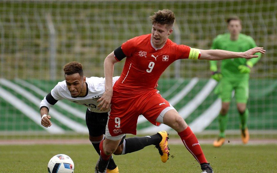 Швейцарският национал Седрик Итен ще продължи кариерата си в Рейнджърс.