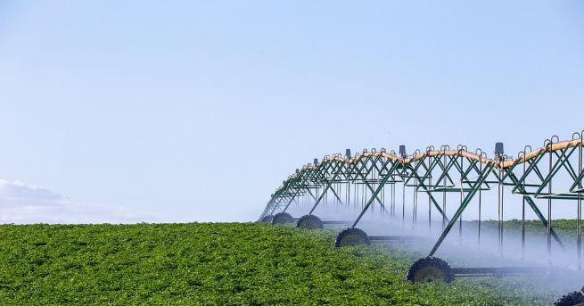 Интензивното използване на земята за селскостопански цели приближава хората до