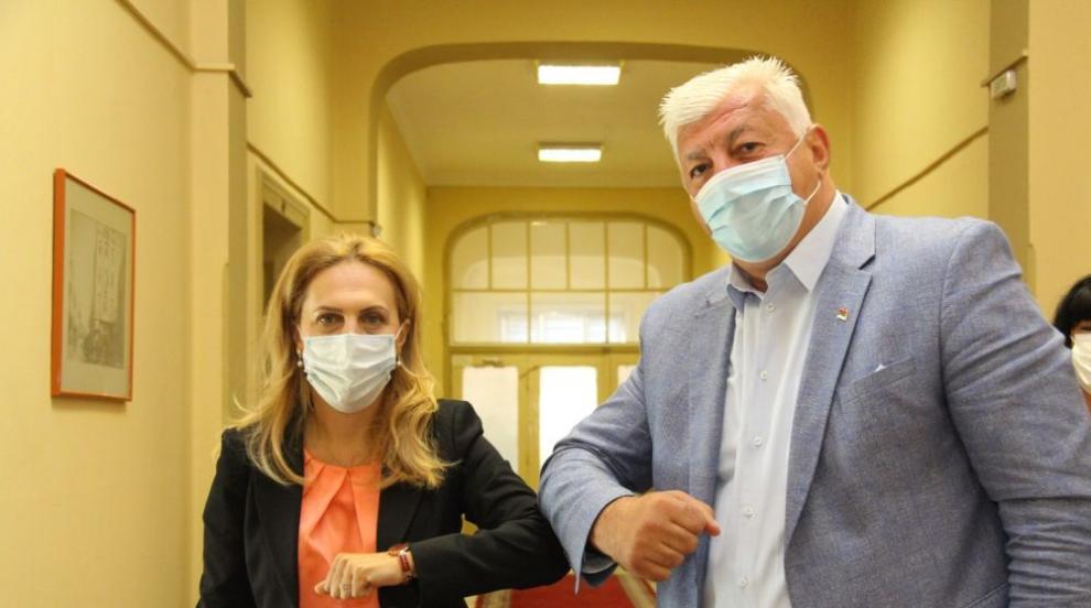 Николова ще иска от здравния министър да разреши...