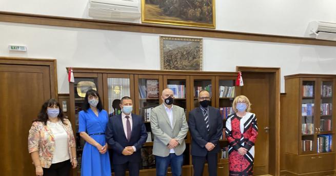 Главният прокурор на Република България Иван Гешев връчи днес актовете
