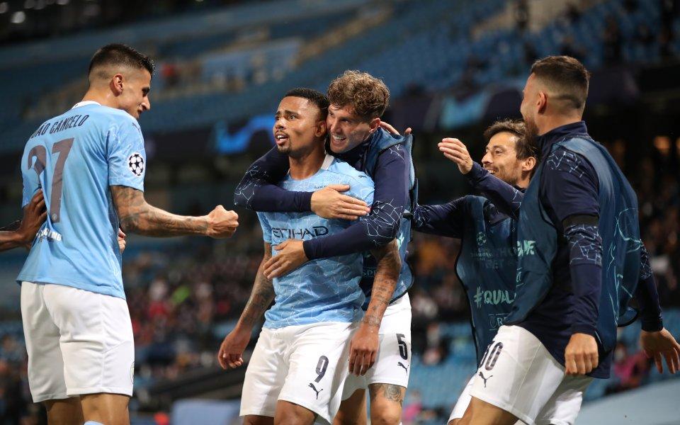 Отборът на Манчестър Сити постигна втори успех с 2:1 в