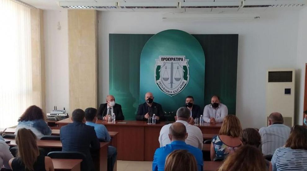 Гешев поздрави прокурорите от Бургас: Успехът им...