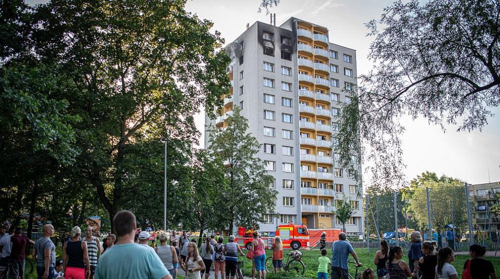11 души загинаха при пожар в 13-етажен жилищен блок в...