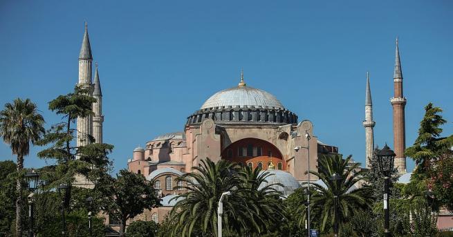 Какви са тайните на Света София в Истанбул, разкрива турският