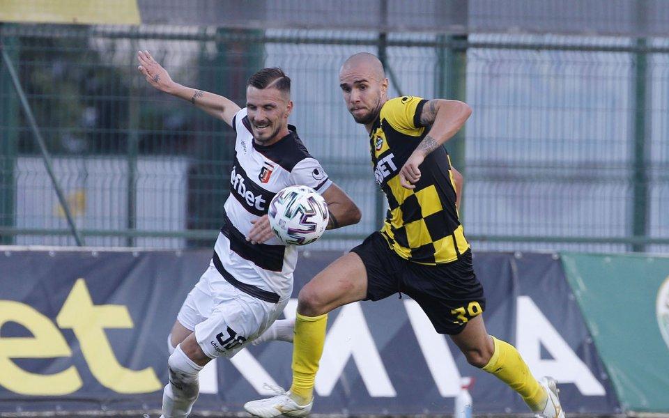 Ботев Пловдив Антонио Вутов е пред трансфер в чужбина. Той