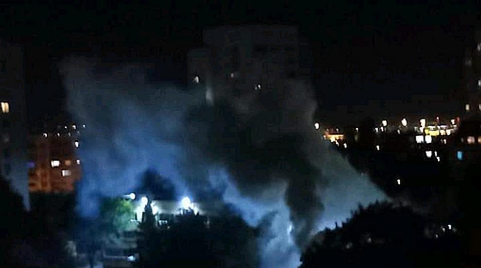 Силен гръм и гъст пушек в столичния квартал Слатина (СНИМКИ)