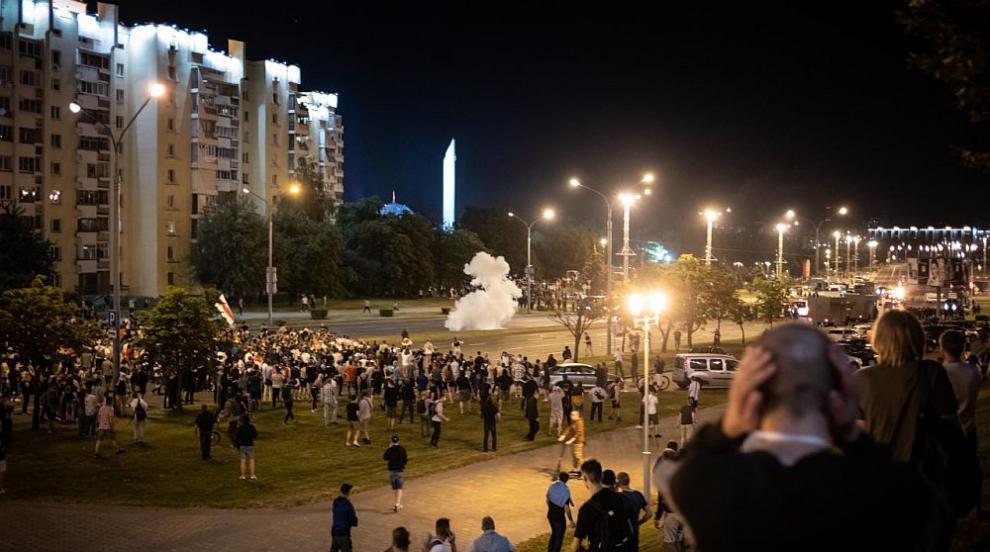 Беларуските власти освободиха 1000 задържани...