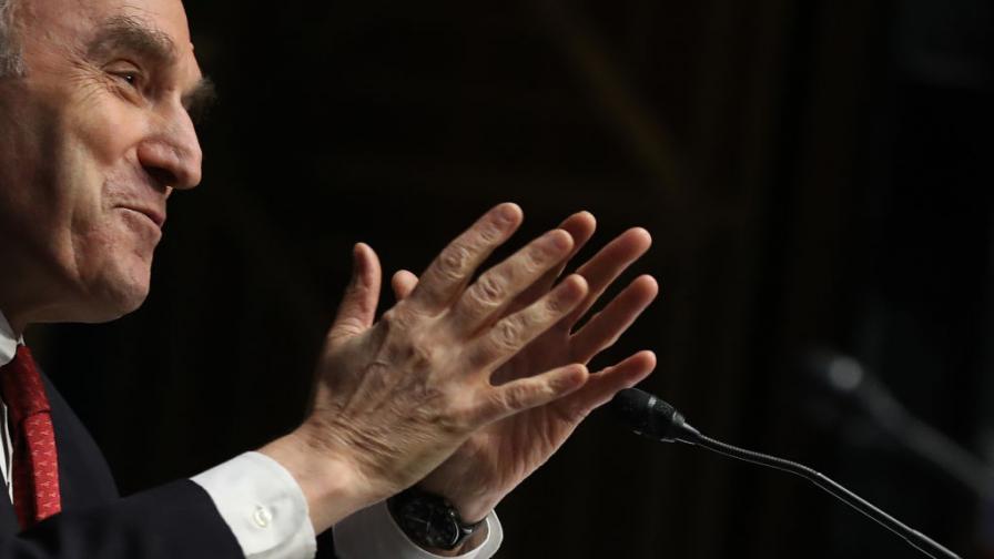 <p>Скандалният Ейбрамс и новата тактика на САЩ</p>