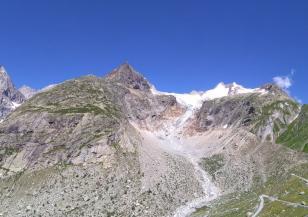 Топящ се ледник в Алпите наложи евакуация на хора