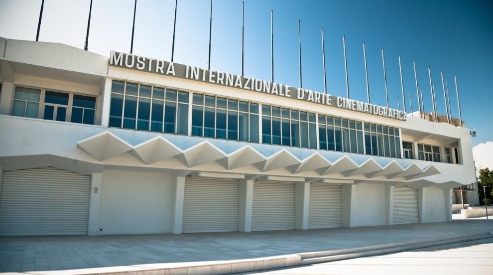 Кинофестивалът във Венеция включи две нови ленти извън конкурсната си програма