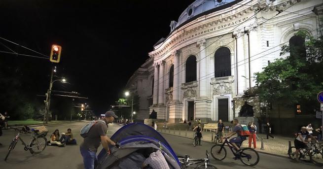 Нова блокада в столицата. От днес кръстовището при Ректората на