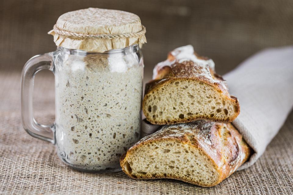 хляб квас тесто брашно месене