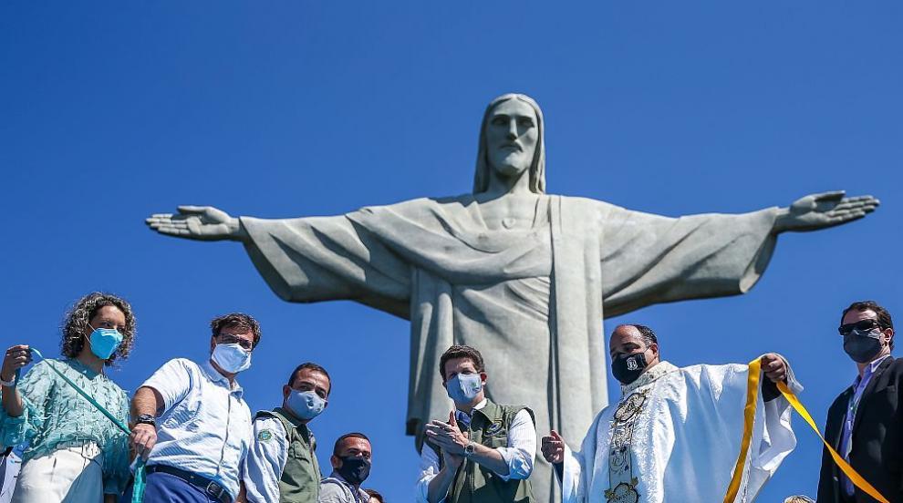 Статуята на Исус в Рио отново приема посетители...