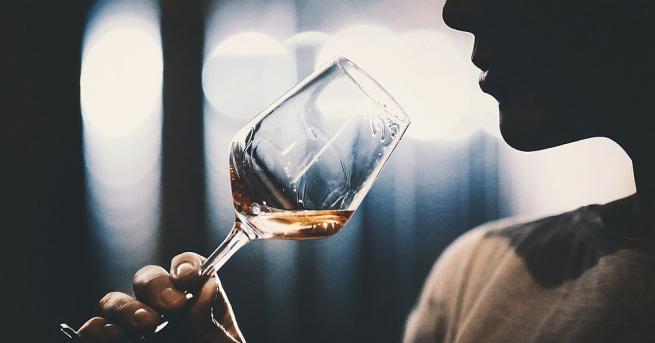 Алкохолът може да ни отпусне и разсее от ежедневието. Според