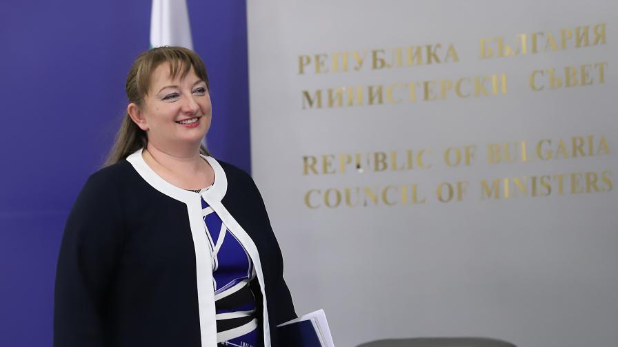 Сачева: Предложенията на Борисов са огледален образ на исканията на протестиращите