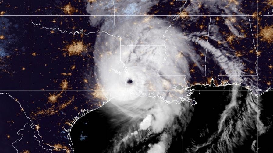 Ураганът Лаура