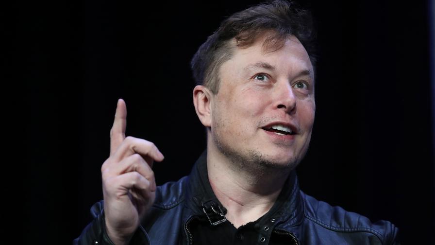 <p>Илон Мъск намекна за драстично оптимизиране на батериите</p>