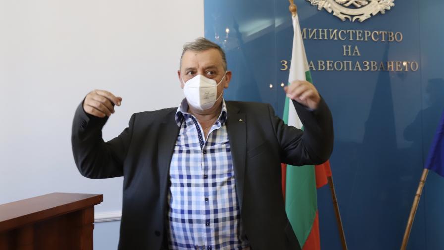 Проф. Кантарджиев: Епидемията от коронавирус затихва