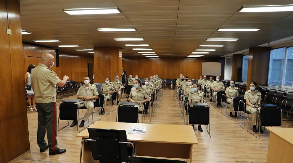 Генерал Мутафчийски посрещна новия випуск военни...