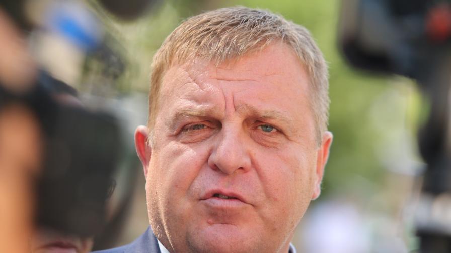 Каракачанов: Обществото ни е разделено от протестите