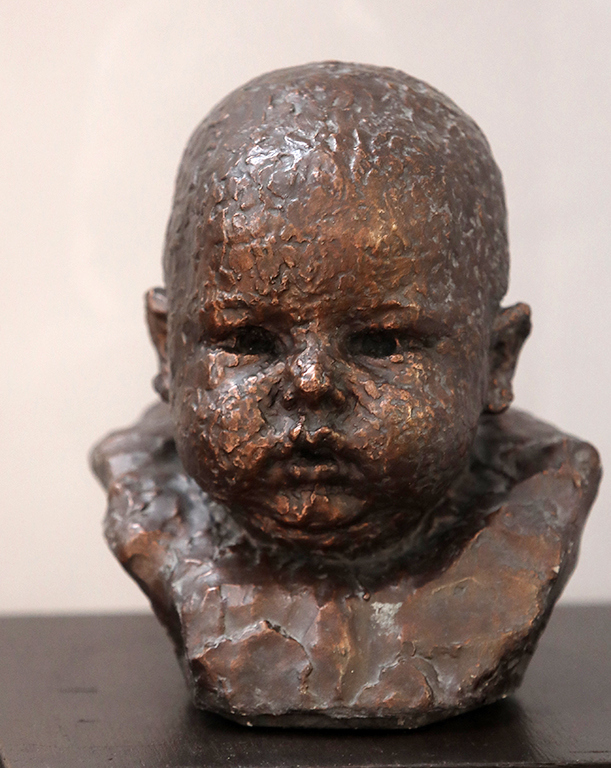 <p>Андрей Николов (1878-1959), Детска глава, 1916, мрамор</p>  <p>Andrey Nikolov (1878-1959), Head of a Child, 1916, marble</p>