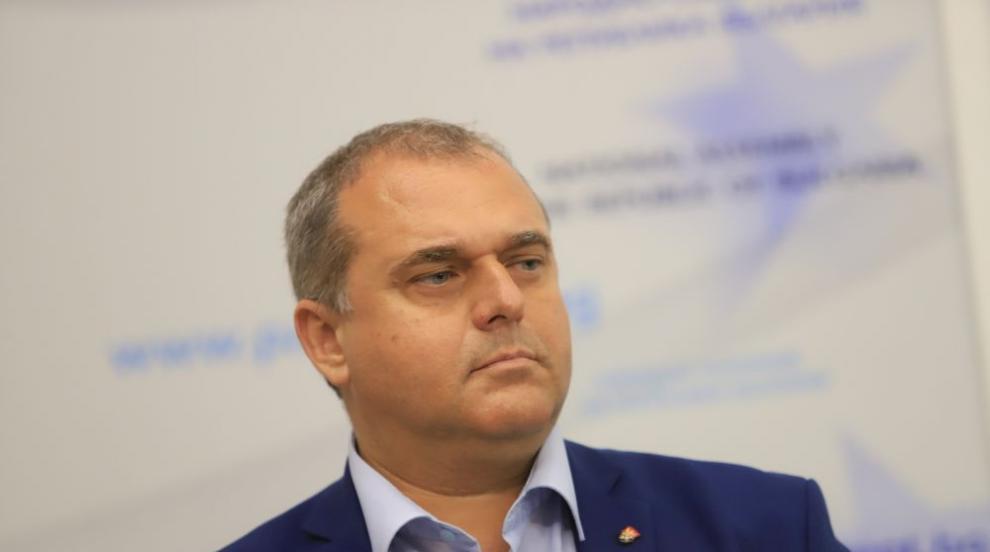 Веселинов: Тези, които горяха маски, изгориха...