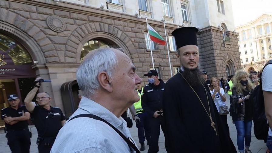 Продуцентът Виктор Димчев хвана активистите на протеста в противоречие